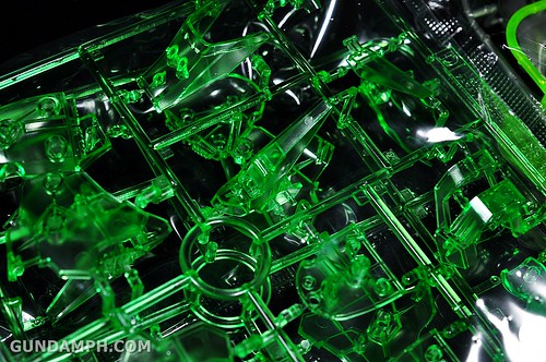 HGUC Kshatriya Pearl Clear (green) Binder Ver. Unboxing Pictures (19)