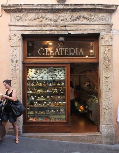 20120810_5222_Assisi-gelateria