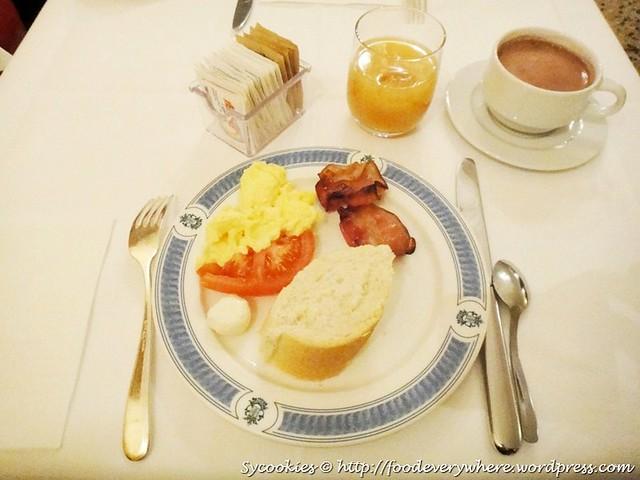 9.@hotel breakfast @ the boscolo hotel bellini(3)