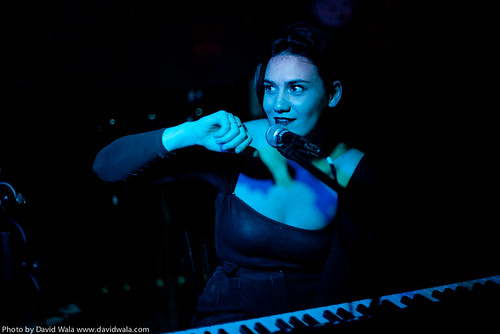 Nadine Shah  The Little Room Sunderland  15 September 2012-2.jpg