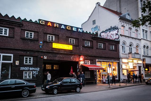 Hamburg & MeckPomm: Curry Wurst bei Garagen