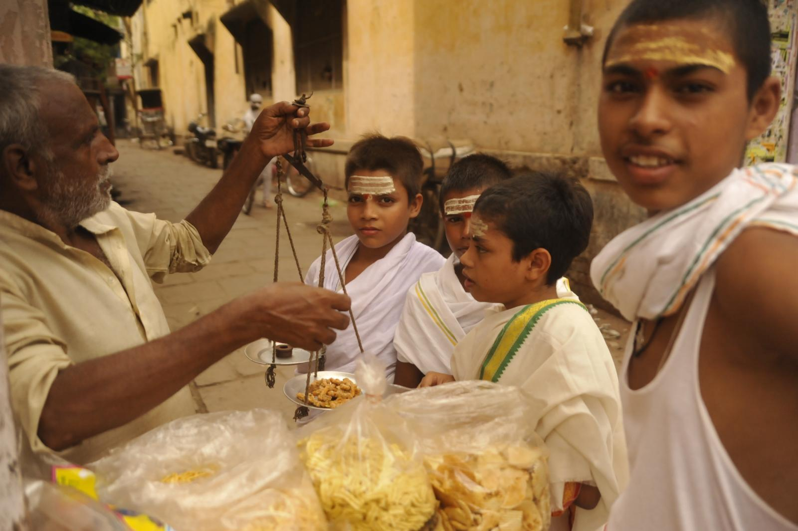 Incredible India! - Varanasi : Alleys and stories within