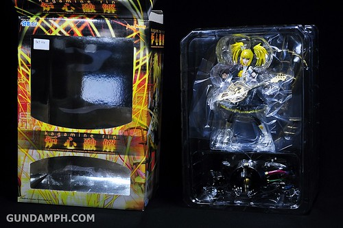 Max Factory Kagamine Rin (Nuclear Fusion Ver.) Unboxing & Review (13)