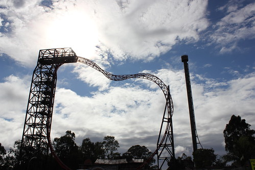 Buzzsaw ride at Dreamworld by holidaypointau
