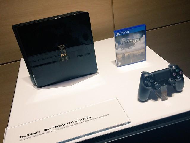 PS4 ルーナエディション