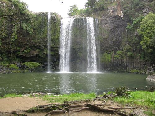 Whangarei Waterfall by holidaypointau