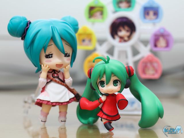 Miku-san and little HMO-chan