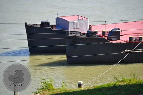 Frachter auf der Donau