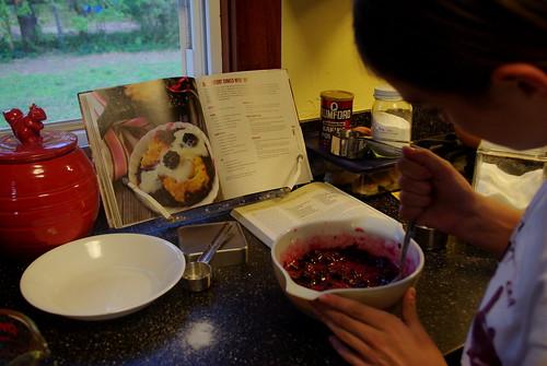 Elle mixing the sonker filling