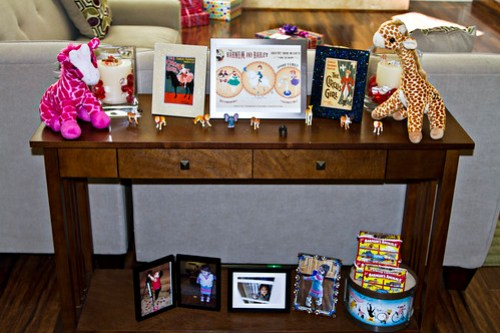 Entry table dedicated to the birthday girl