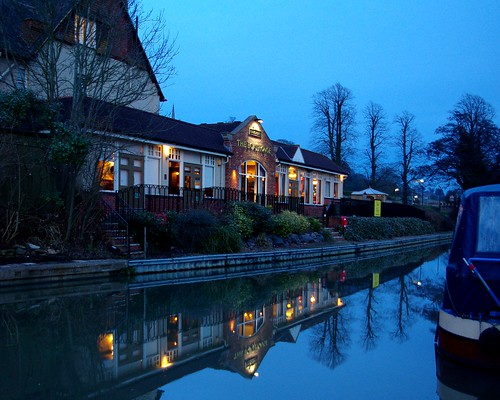 20130113-38_The Boat House Restaurant_ Canal Reflection Braunston by gary.hadden