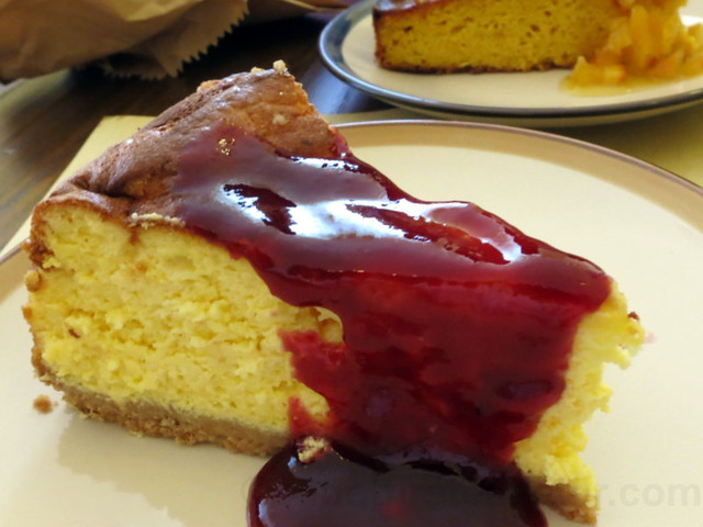 ricotta cheesecake €4