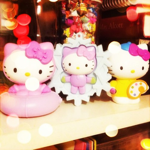 Added artist #hellokitty to the collection of #mcdonalds#happymeal toys now just need the nerd & the baker! xD let the hunt begin @watercoloursky (thanks @rubanxrose for the heads up!)