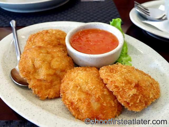 Tod Mun Goong (shrimp cakes) P450