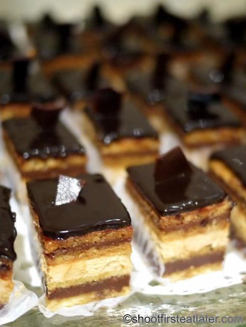 Bizu Private Caterer- petite opera cake