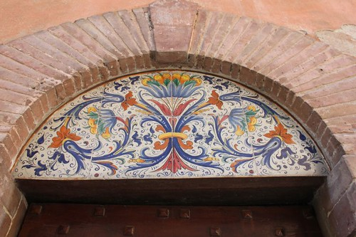 20120814_5562_Deruta-ceramic-decoration