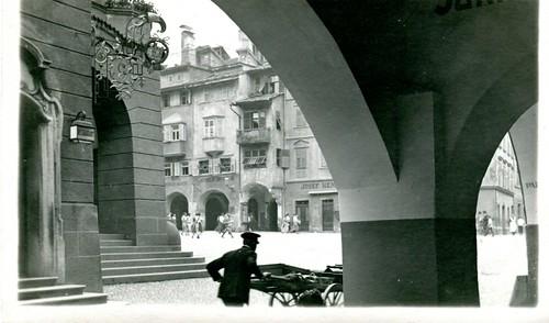 postcard - bolzano - piazza municipio - anni 40