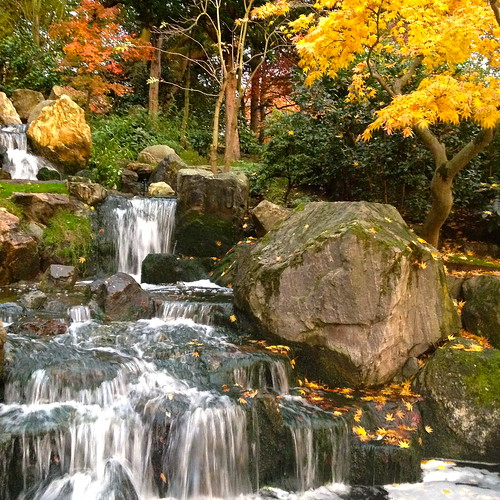 Waterfall at Kyoto Garden