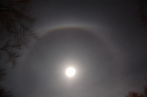 ice ring around moon from Sandy moisture (4)