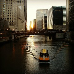 Chicago river water taxi
