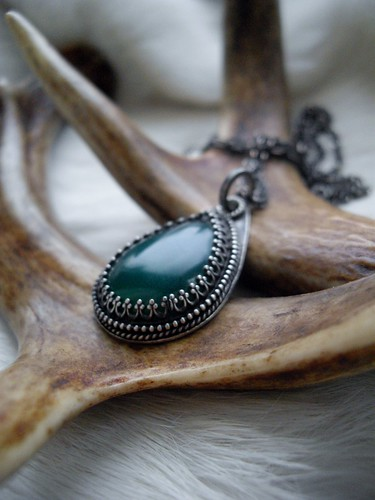 sterling silver and green agate pendant necklace