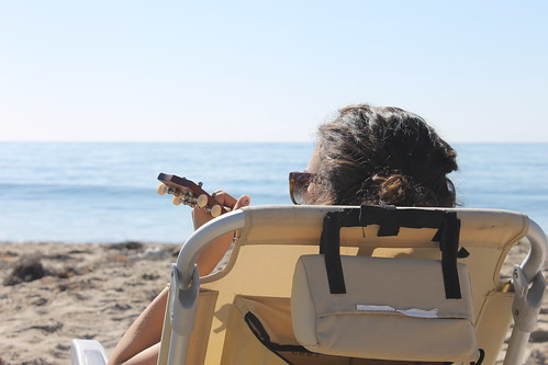 Uke-ing it up on the beach