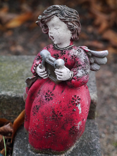 328/366 - Singing angel by Flubie