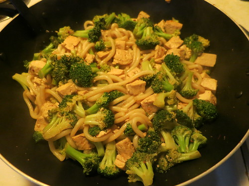 Broccoli and tofu yakiudon