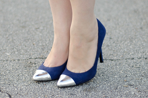 Cap toe pumps alone