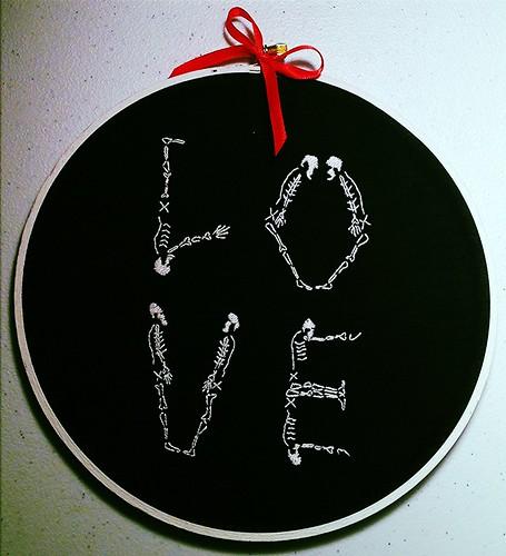 Skeleton Love by hEisK