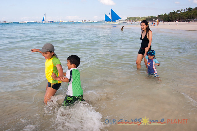 Swimming in Boracay-14.jpg