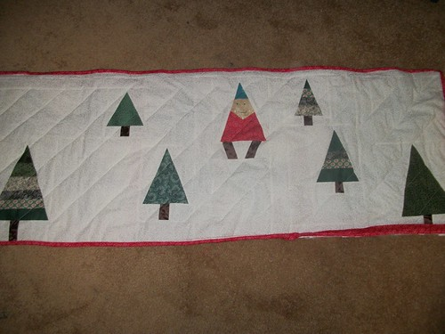 Table runner trees and gnome