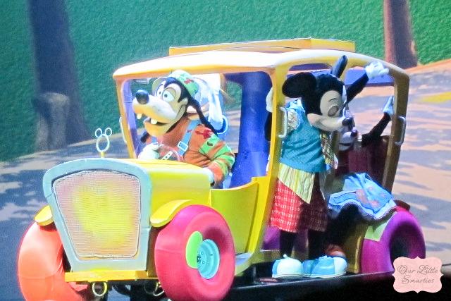 Mickey's Bus