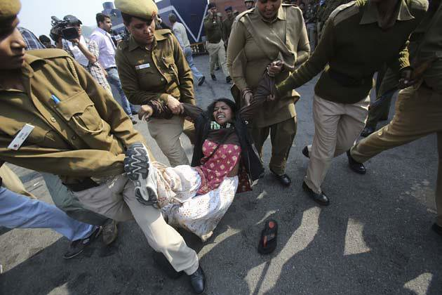 Delhi Gang-rape protest pictures (8)