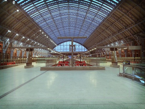 A very empty St Pancras International by davidmeggers