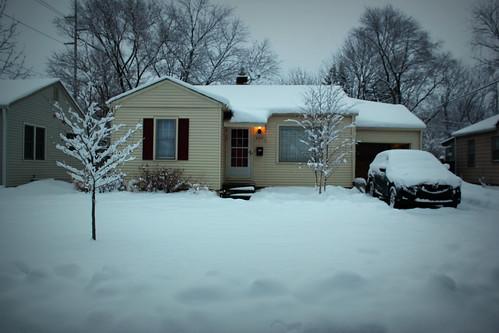 20121229. So we got a tad more snow last night.