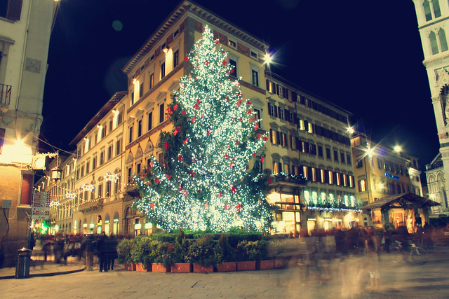 Christmas lights in Piazza del Duomo by Qui.Tran