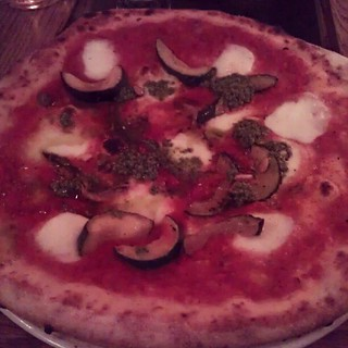 Pizza at Villa Paradiso in Oslo