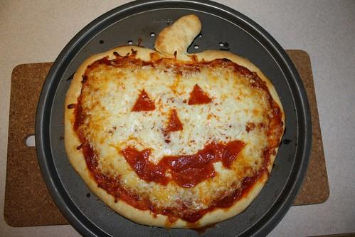 2011 10 Halloween Pizza
