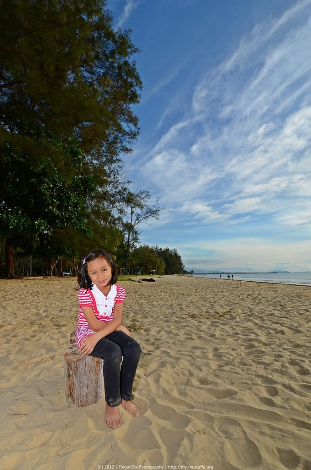 Amyra | Pantai Tanjung Aru, Sabah