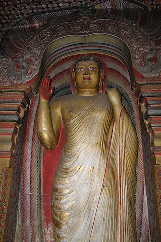 IMG_6629-Dambulla-Royal-Rock-Temple-cave2