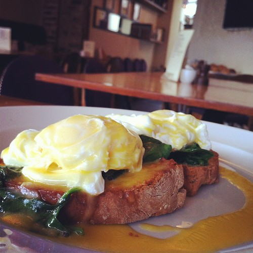 Eggs Florentine at @fennsquay for breakfast.