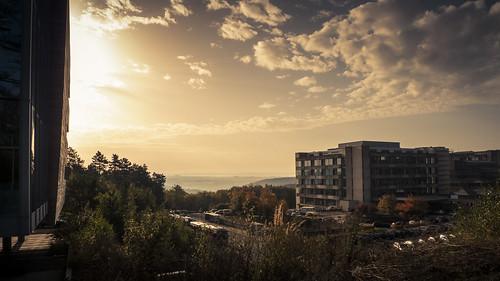 Behind the hospital (CHU, Liège, Belgique) - Photo : Gilderic