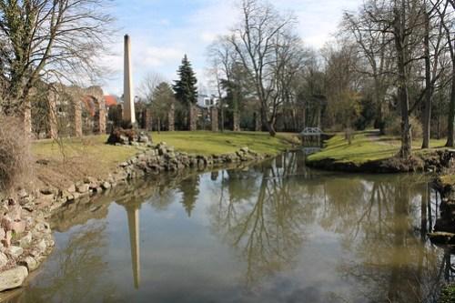 2013.03.09.285 - SCHWETZINGEN - Schwetzinger Schlossgarten - Römische Wasserleitung