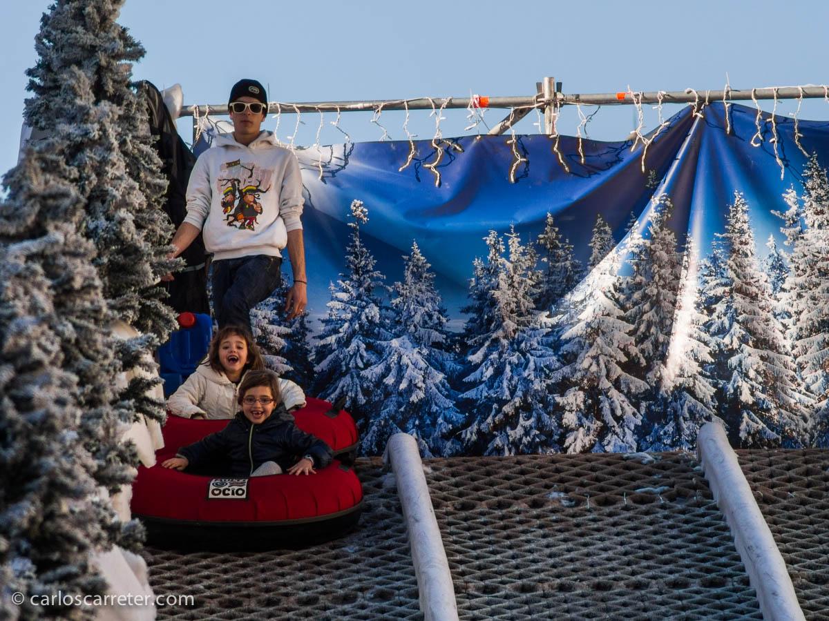 En los puestos navideños de la Plaza del Pilar