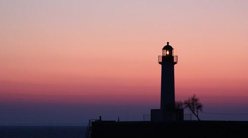 La moralité n'est bien souvent qu'une affaire d'éclairage et tu es le gardien de ton propre phare...