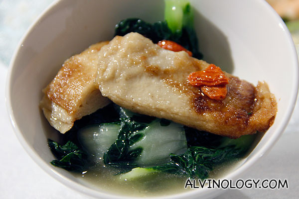 Poached Chinese cabbage with wolfberries and tofu sheet