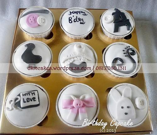 DKM Cakes, toko kue online jember, pesan cupcake jember, pesan kue jember, pesan kue ulang tahun anak jember, pesan kue ulang tahun jember, pesan tart jember, DKM Cakes telp 08170801311 0331-3199763, pesan kue nampan jember