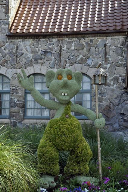 Troll Topiary 2013