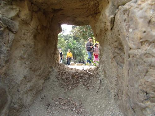 Espiando en el Parc Güell by debolsillo